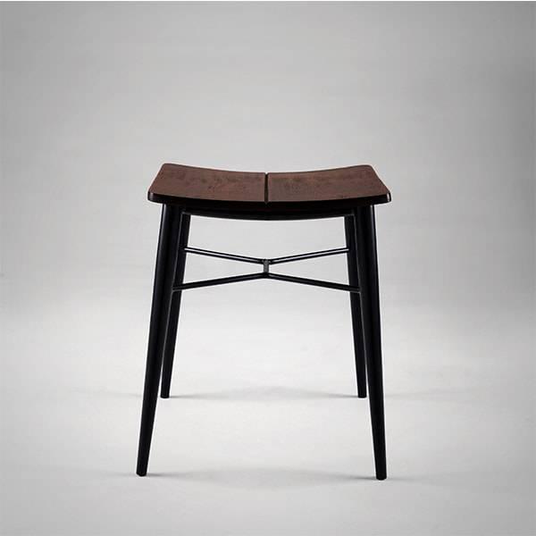 Banqueta Asa III Estrutura em Aço Carbono Design by Studio Artesian