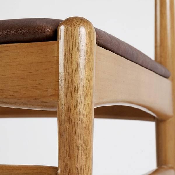 Cadeira Bonnê Estrutura Madeira Maciça Design by Studio Artesian