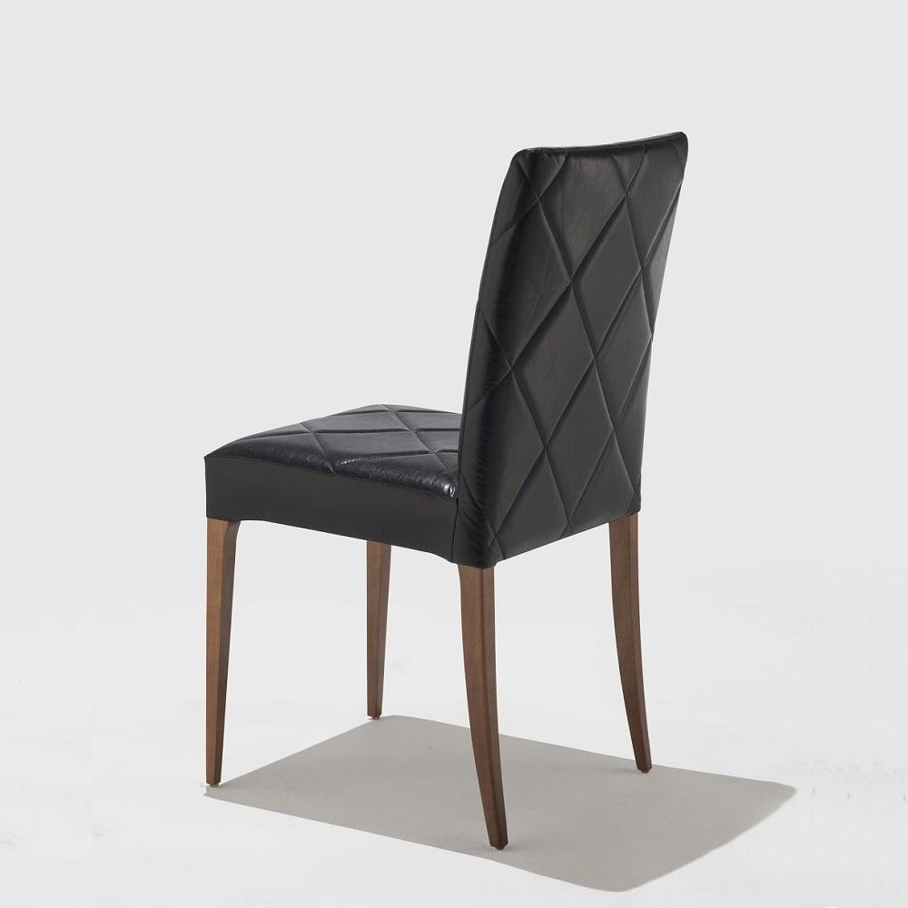 Cadeira Flox Matelassê Base Madeira Maciça Jequitibá Tremarin Design by Studio Marko20