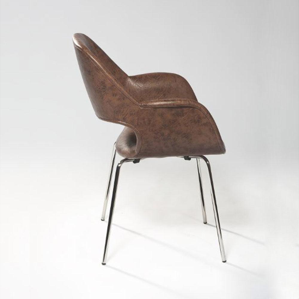 Cadeira com Braço Mooi Design by Studio Clássica