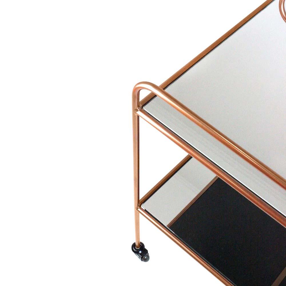Carrinho de Bar Action Tampos Espelhados e Estrutura Aço Carbono Design Industrial e Minimalista