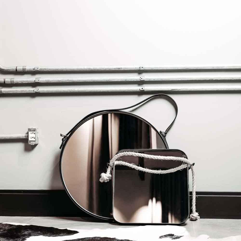 Espelho Platinum Couro Natural e MDF Laqueado Design Industrial e Minimalista