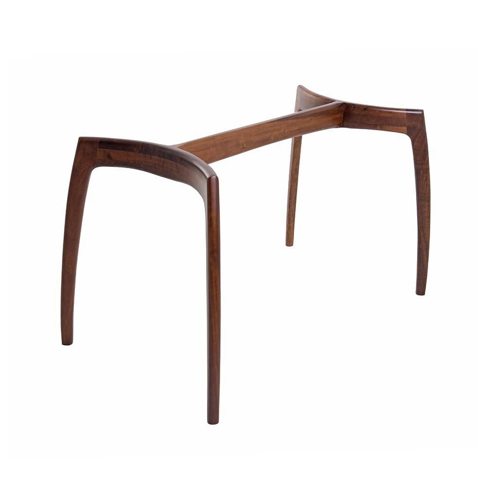 Mesa de Jantar Design 6 Lugares é perfeita para sala de jantar ou de reunião com decoração moderna e harmoniosa.