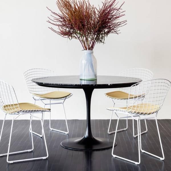 Mesa de Jantar Tulip Redonda Estrutura Alumínio Fundido Tampo Laminado Artesian Design by Eero Saarinen
