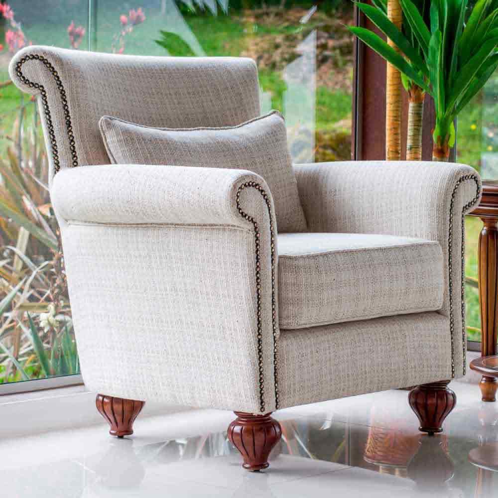 Poltrona Premier Madeira Maciça Design Clássico Avi Móveis