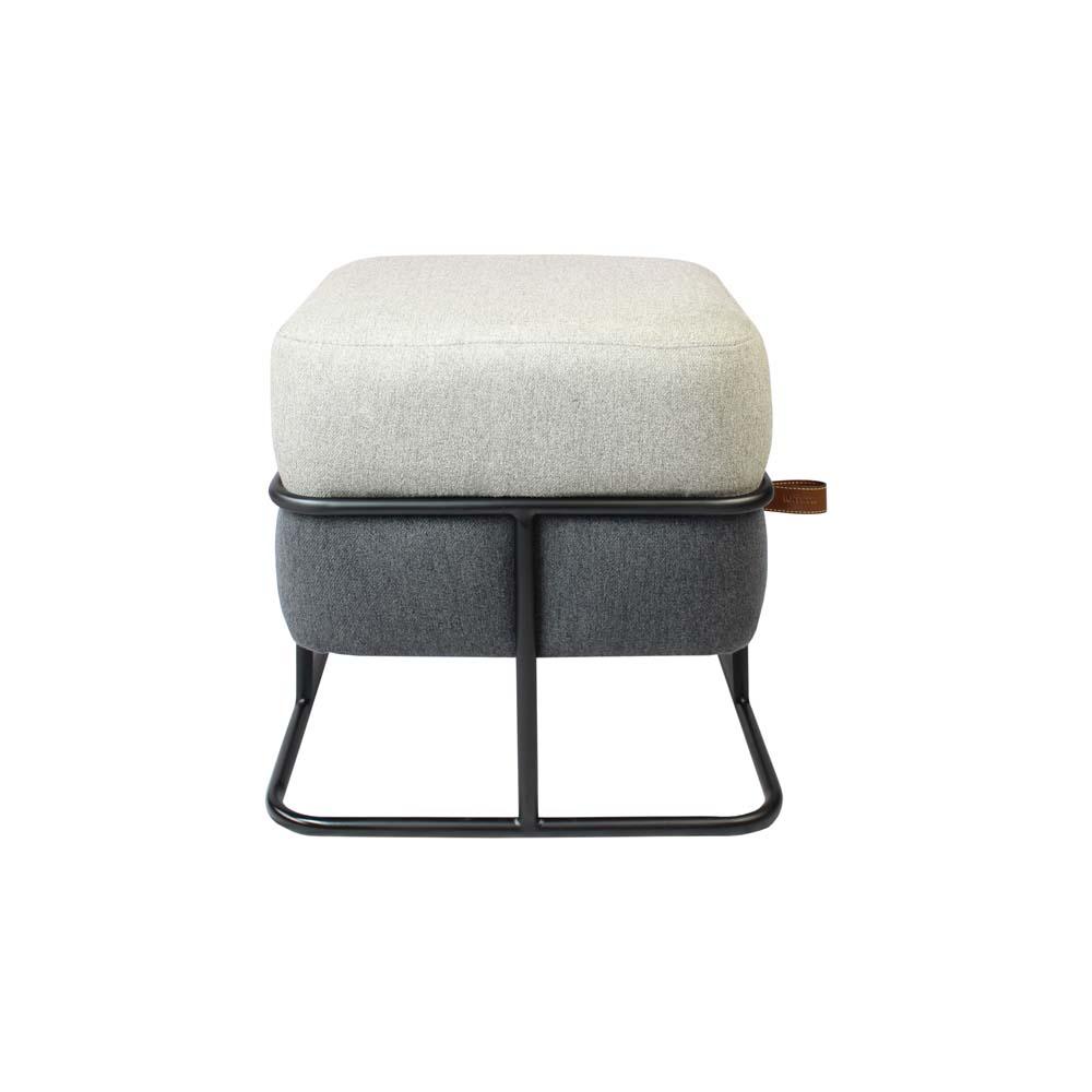 Puff Cookie Estofado Cashmere Castor e Grafite com Base Aço Carbono Preto Design Industrial e Minimalista