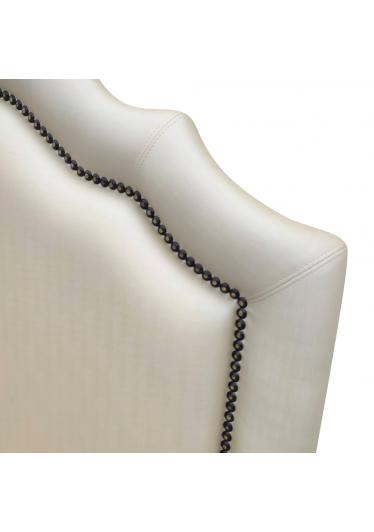Cabeceira de Cama Neville com Tachas Design Clássico de Luxo