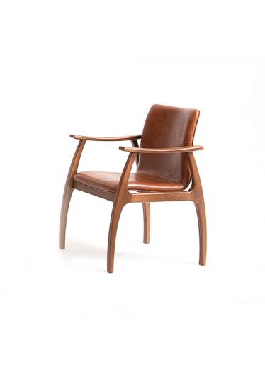 Cadeira Dafne Encosto e Assento Anatômico Design Atemporal e Moderno Casa A