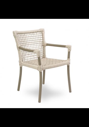 Cadeira Dora com Braço para Área Externa Trama Corda Náutica Estrutura Alumínio Eco Friendly Design Scaburi