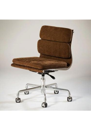 Cadeira EA430RG – Soft Pad Charles & Ray Eames
