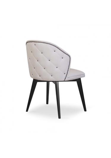 Cadeira Isabella com Tachas Madeira Maciça Design Clássico Avi Móveis