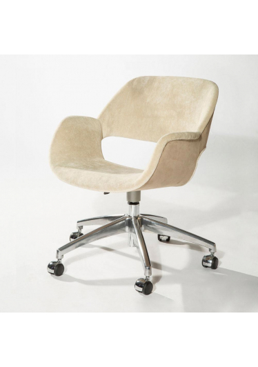 Cadeira Giratória com Braço Mooi Office 5 Patas Rodízios Design by Studio Clássica