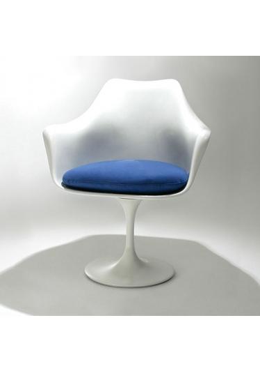 Cadeira com Braço Saarinen Almofada Studio Clássica Design by Eero Saarinen