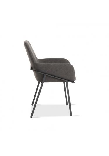 Cadeira Viana com Braço Estrutura Aço Carbono Design Atemporal e Moderno Design by Estúdio Casa A
