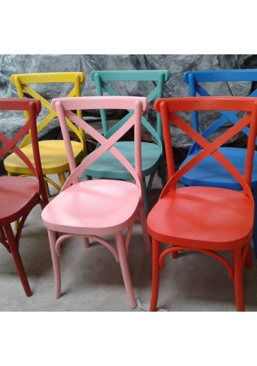 Cadeira X de Design em Madeira Maciça com Pinturas Personalizadas