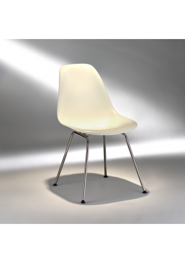Cadeira DSX Aço Inox e Fibra com Pintura Fosca Studio Mais Design by Charles e Ray Eames