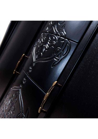 Cristaleira Inspiração Madeira Maciça Design Clássico Avi Móveis