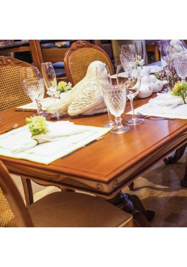 Mesa de Jantar Montana Jequitibá Entalhes Personalizados Móveis Armil