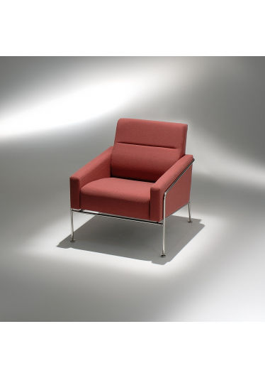 Poltrona 3.300 Estrutura Aço Inox Studio Mais Design by Arne Jacobsen