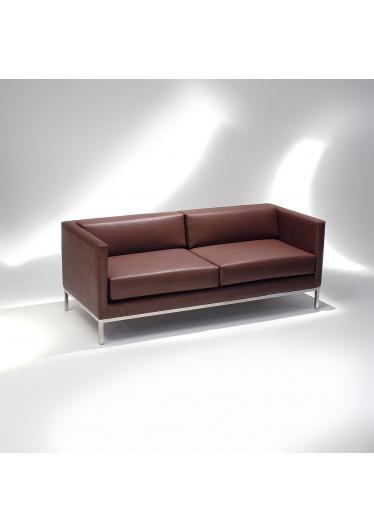 Sofá Básica Estrutura Aço Inox Design by Studio Mais