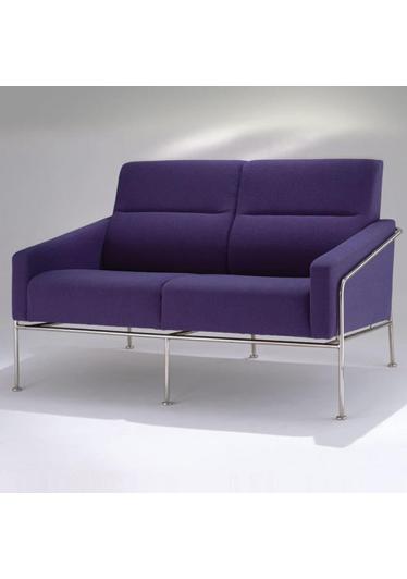 Sofá 3302 2 Lugares Studio Clássica Design by Arne Jacobsen