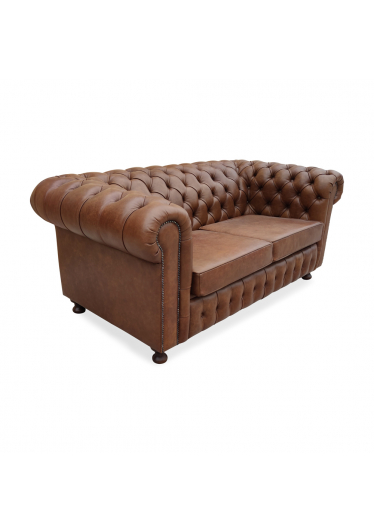 Sofá Chesterfield com Tachas Design Clássico de Luxo