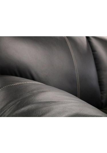 Sofá Gibson 2 Lugares Couro Estrutura Madeira de Reflorestamento Eucalipto Mempra Design
