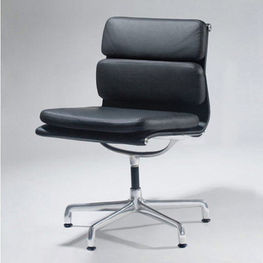 Cadeira EA430 Soft Pad Charles & Ray Eames
