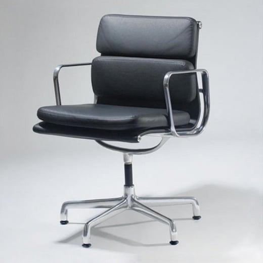 Cadeira EA431 – Soft Pad Charles & Ray Eames