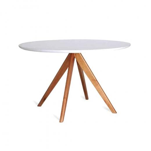 Mesa de Jantar Letícia Tampo Vidro Estrutura Madeira Maciça Design Atemporal e Moderno Casa A Móveis