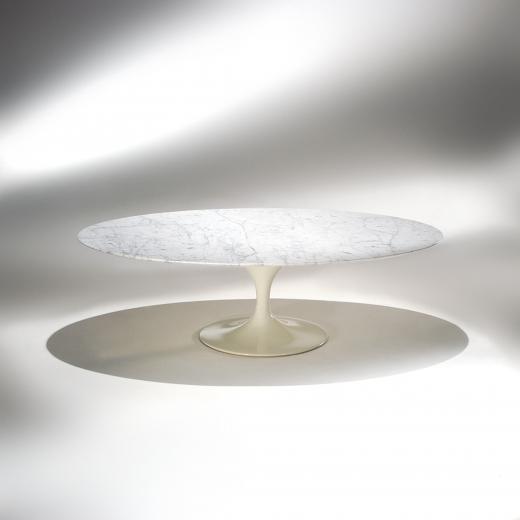 Mesa de Centro Saarinen Oval Estrutura Alumínio Pintura Brilhante Studio Mais Design by Eero Saarinen