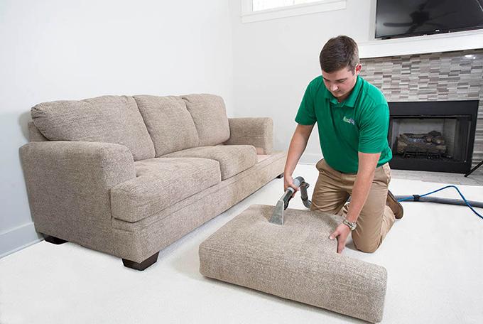 limpar-e-impermeabiizar-sofa